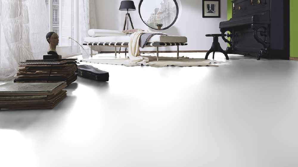 Laminatboden – Marilyn – Endlos weißer, glänzender Boden – Muster bestellen!