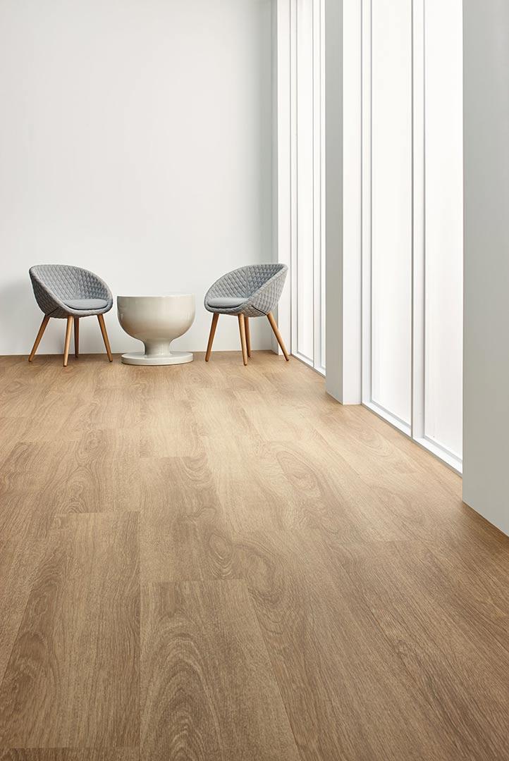 Vinylboden Natural Giant Oak – Natürliche Holzoptik – Jetzt kostenloses Muster bestellen!