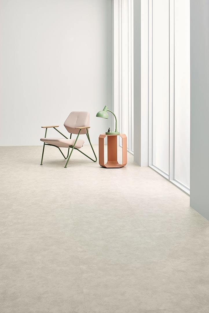 Vinylboden White Sand – Endloses, sandfarbenes Vinyl – Jetzt kostenloses Muster bestellen!