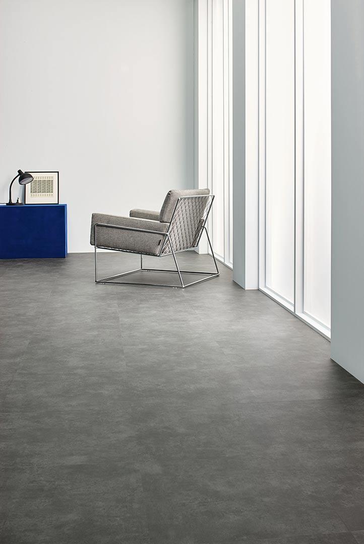 Vinylboden Natural Concrete – Hellgrauer Beton: Vinyl für Puristen – Kostenloses Muster bestellen!