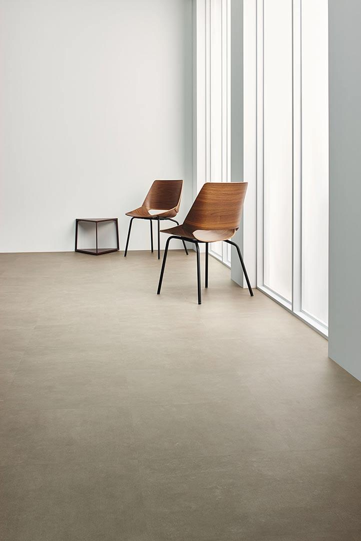 Vinylboden Taupe Texture – Charmanter taupefarbener Texturboden – Jetzt kostenloses Muster bestellen!
