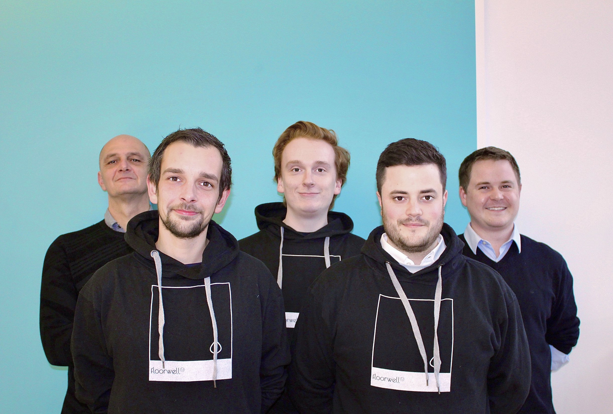 Floorwell Operations Team Gruppenfoto
