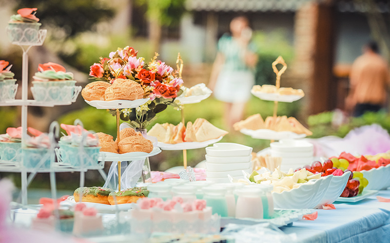 Birthday food buffet style Photo by fu zhichao from Pexels