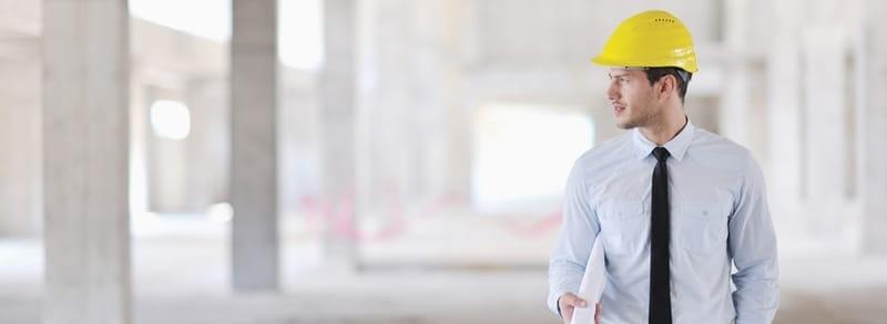 persona trabajando como arquitecto