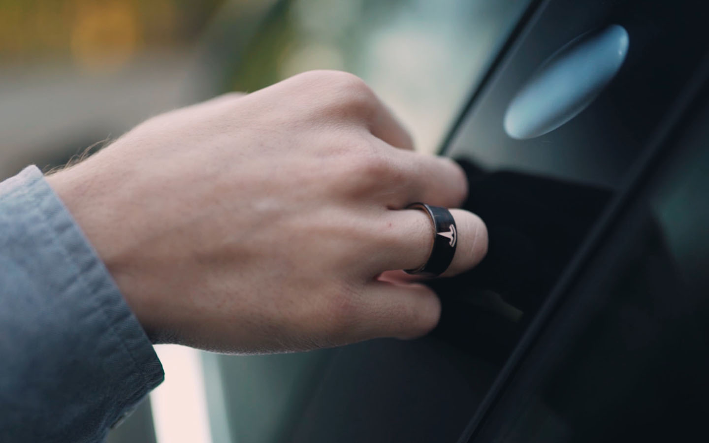 Tesla Ring opening door