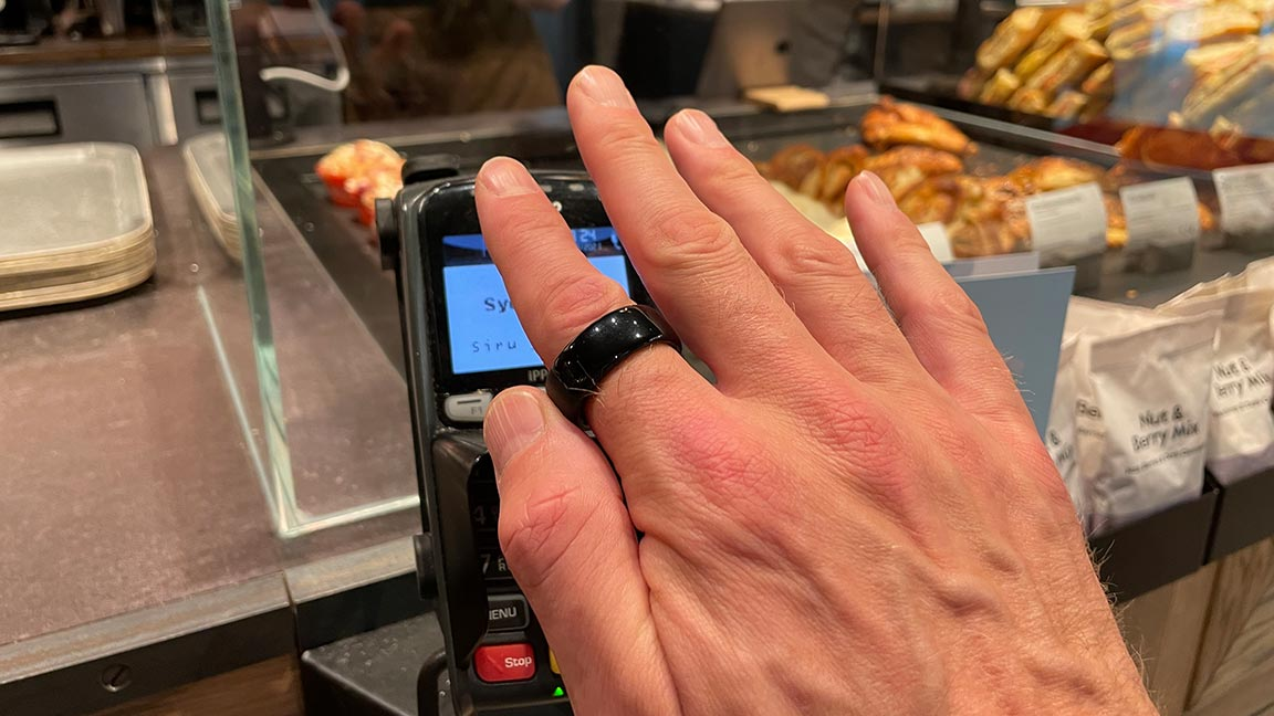 paying with Aeklys One smart ring