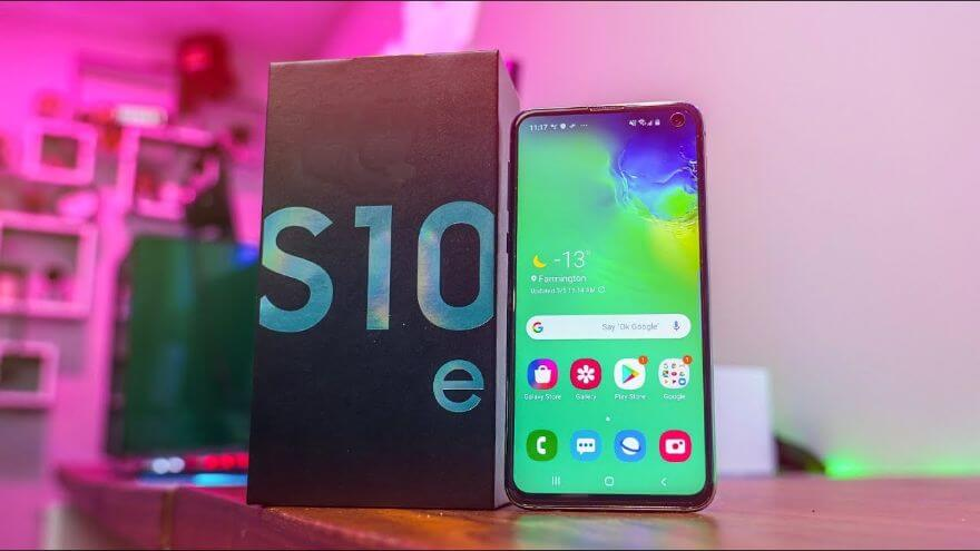 Galaxy S10e Retail Unboxing & Impressions!
