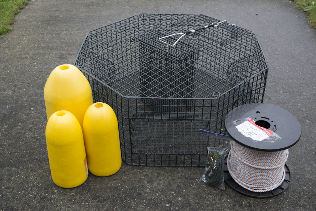 POT #19027 - Another large pot, this octagon pot also features center bait cage for adding weight