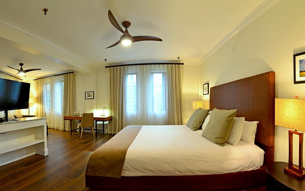 Hotel St. Michel Junior suite king rooms