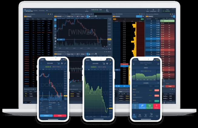 Imagem da plataforma aberta no notebook e em três smartphone à frente do notebook