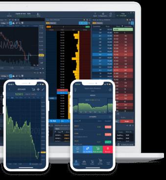 Imagem de notebook e 2 smartphones com a plataforma aberta