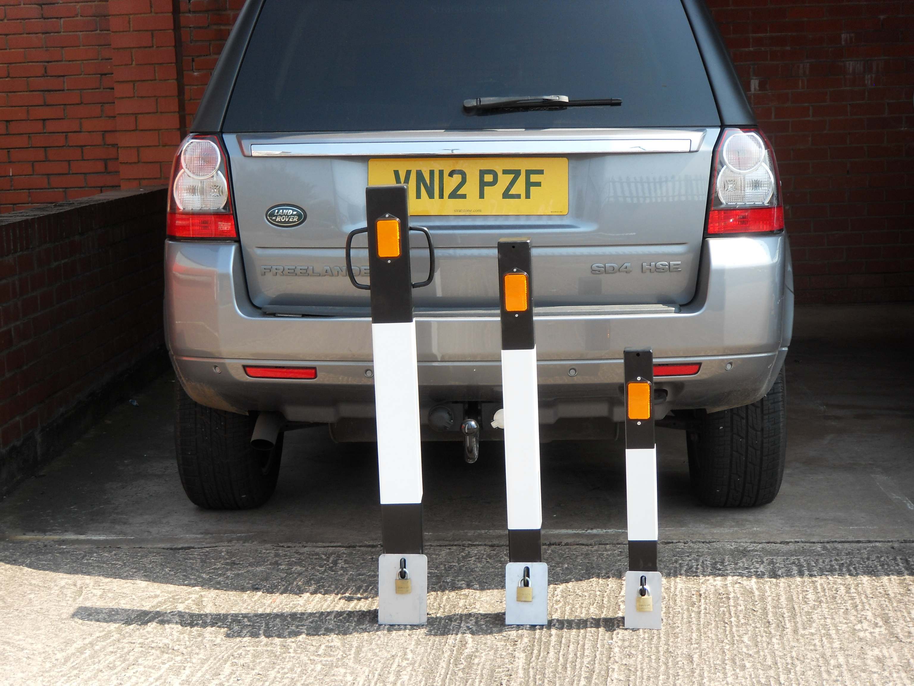 Removable Locking Parking Bollards c/w Padlock