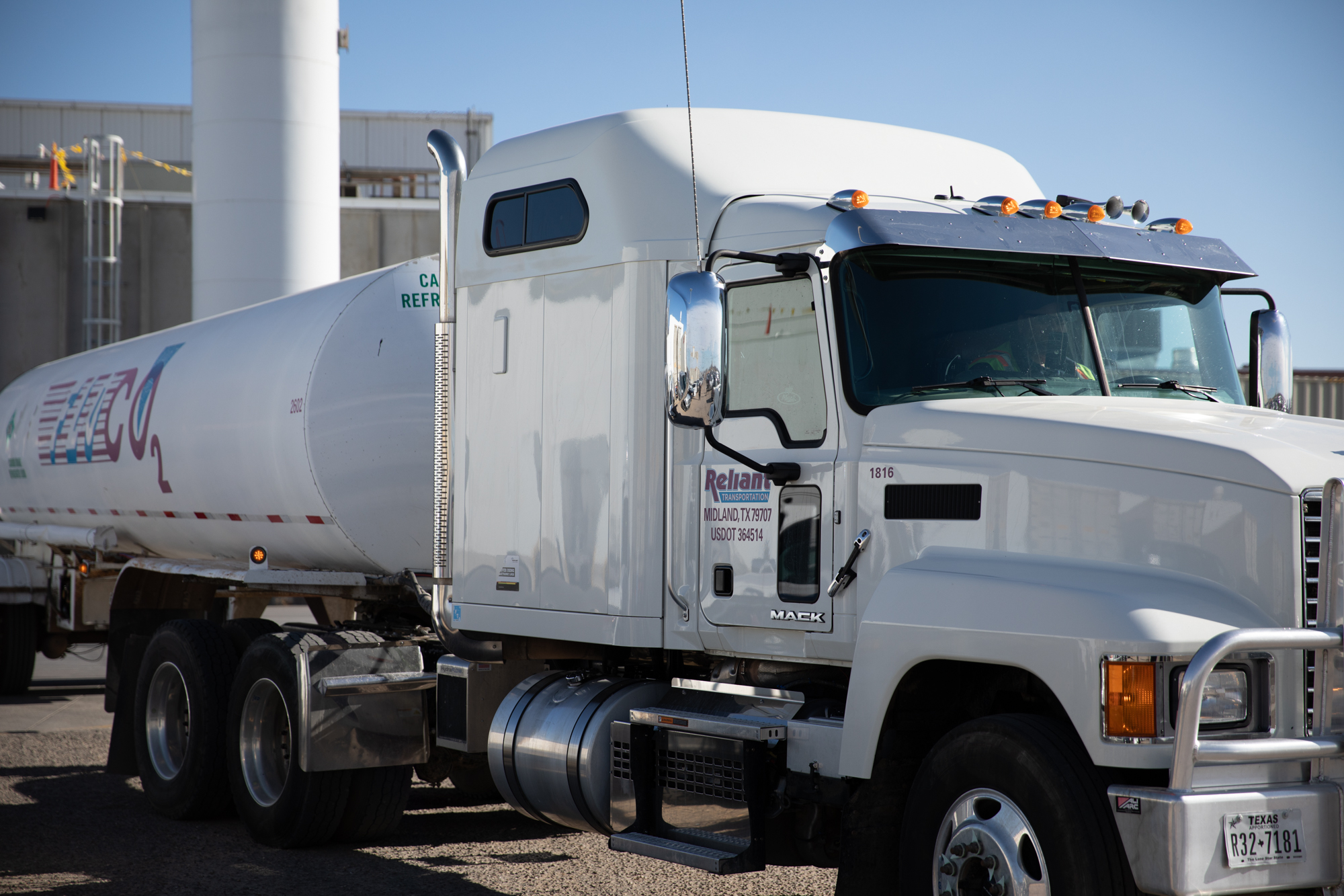 Reliant Holdings, Gases Delivery truck
