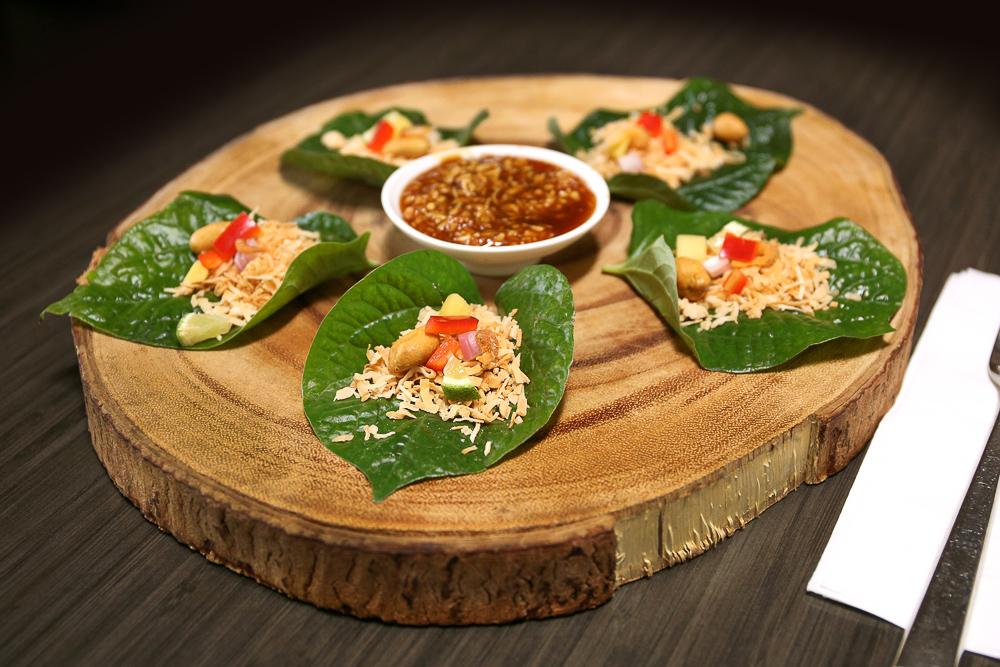 Miang kum thai appetizer Coup de Thai