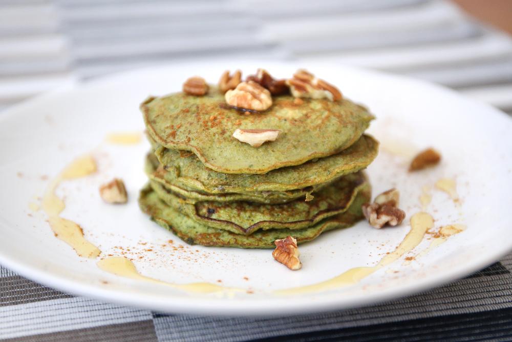Flourless matcha pancakes