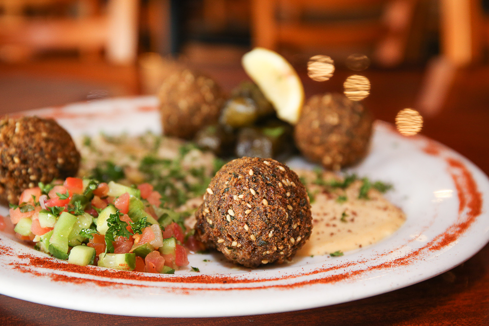 Falafel plate with hummus