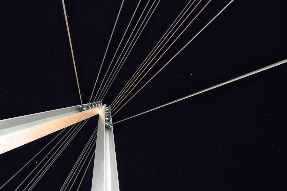 Steel cable bridge structure Cupertino, CA