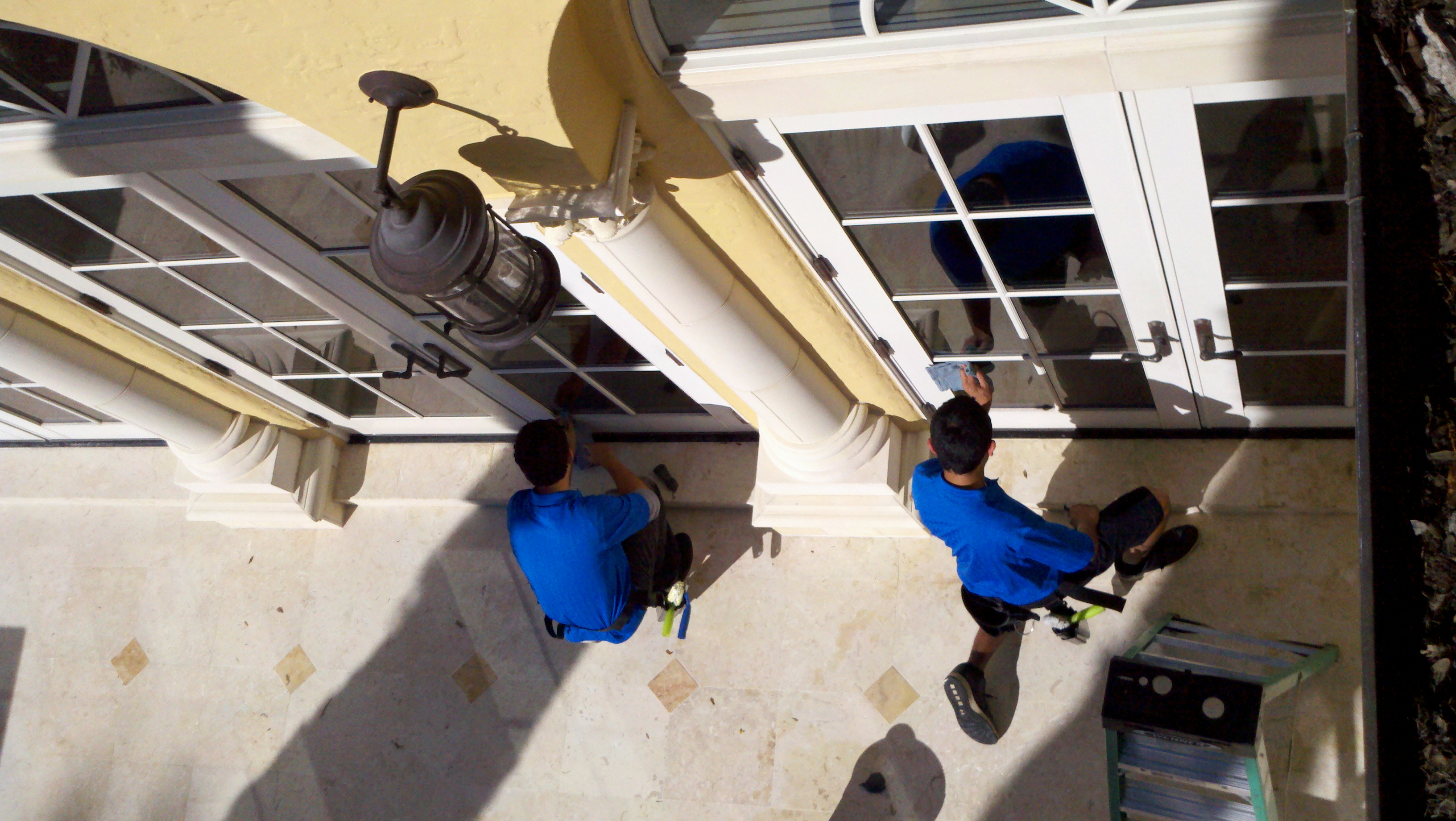 window cleaning team