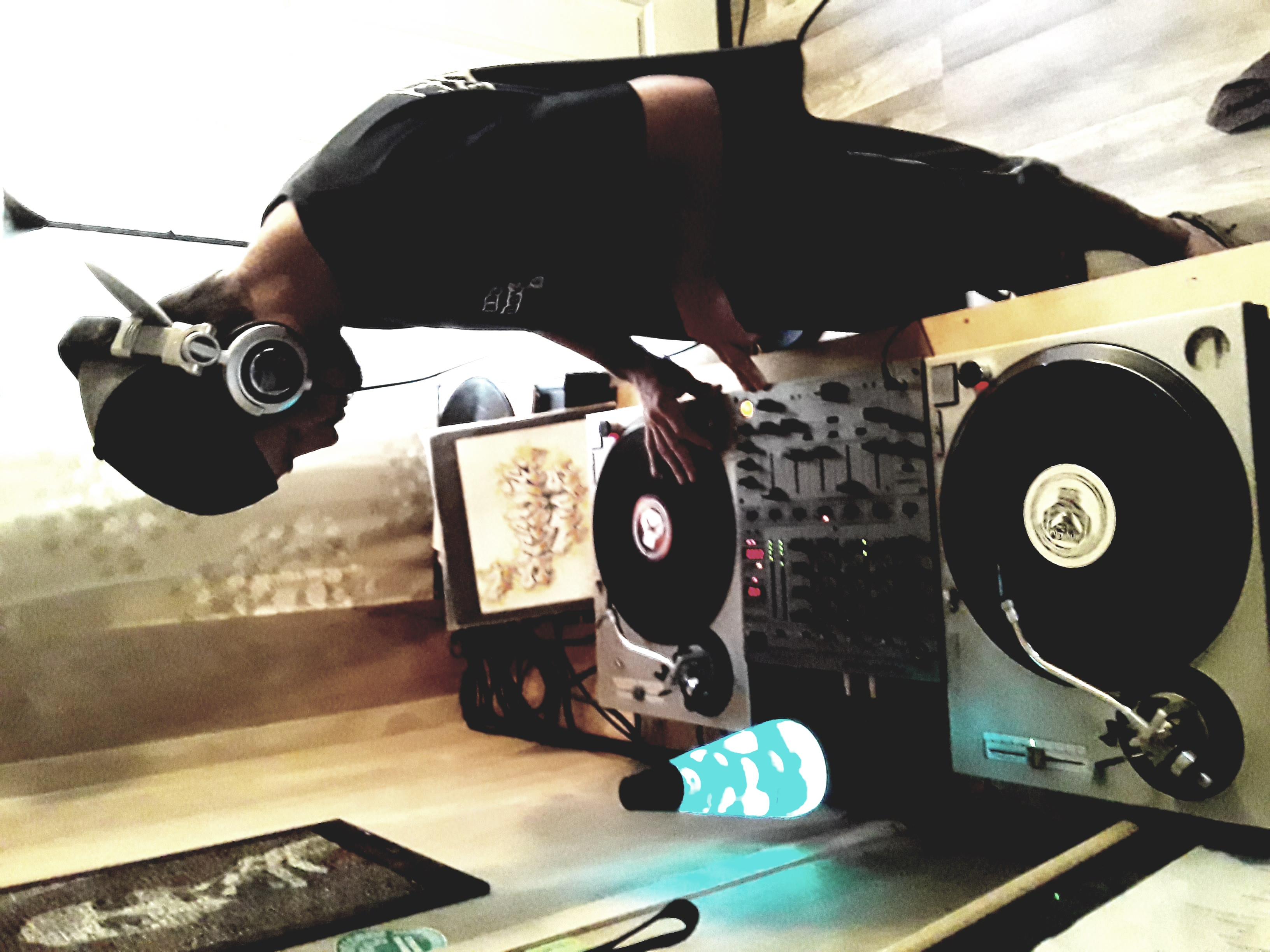DJ Stevie Does