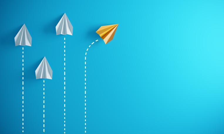 Diverging paper planes