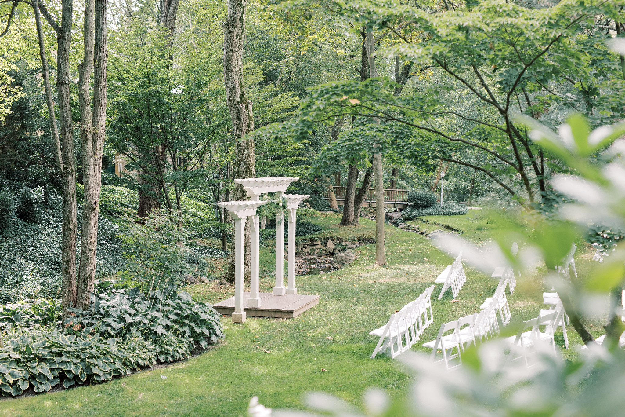 Outdoor alter amidst greenery at Pomme Radnor.