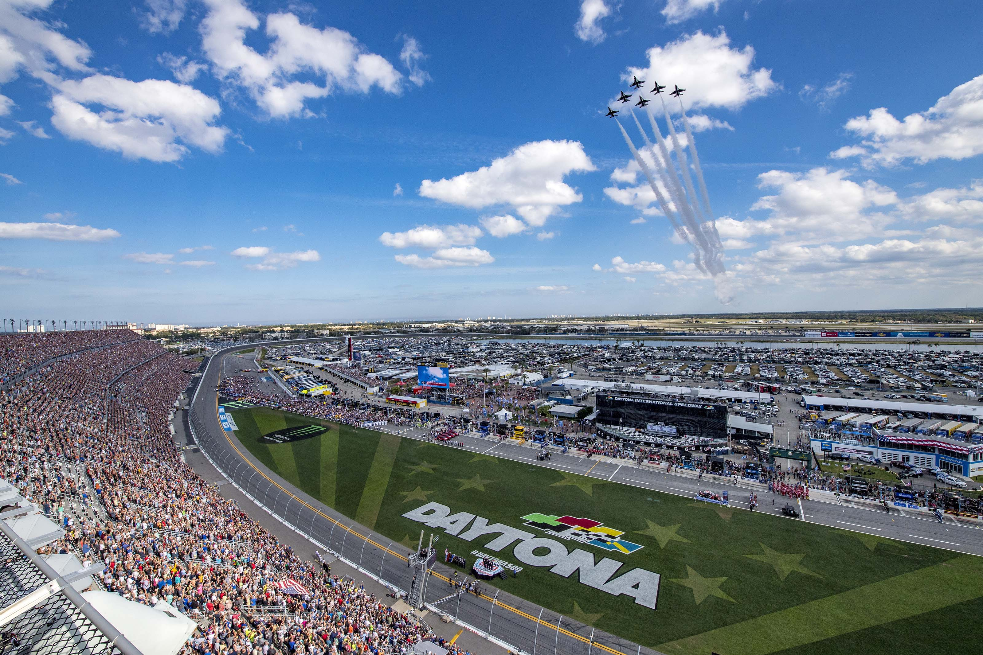 "The United States Air Force Air Demonstration Squadron ""Thunderbirds"" perform the flyover for the Daytona 500 Feb. 17, 2019."