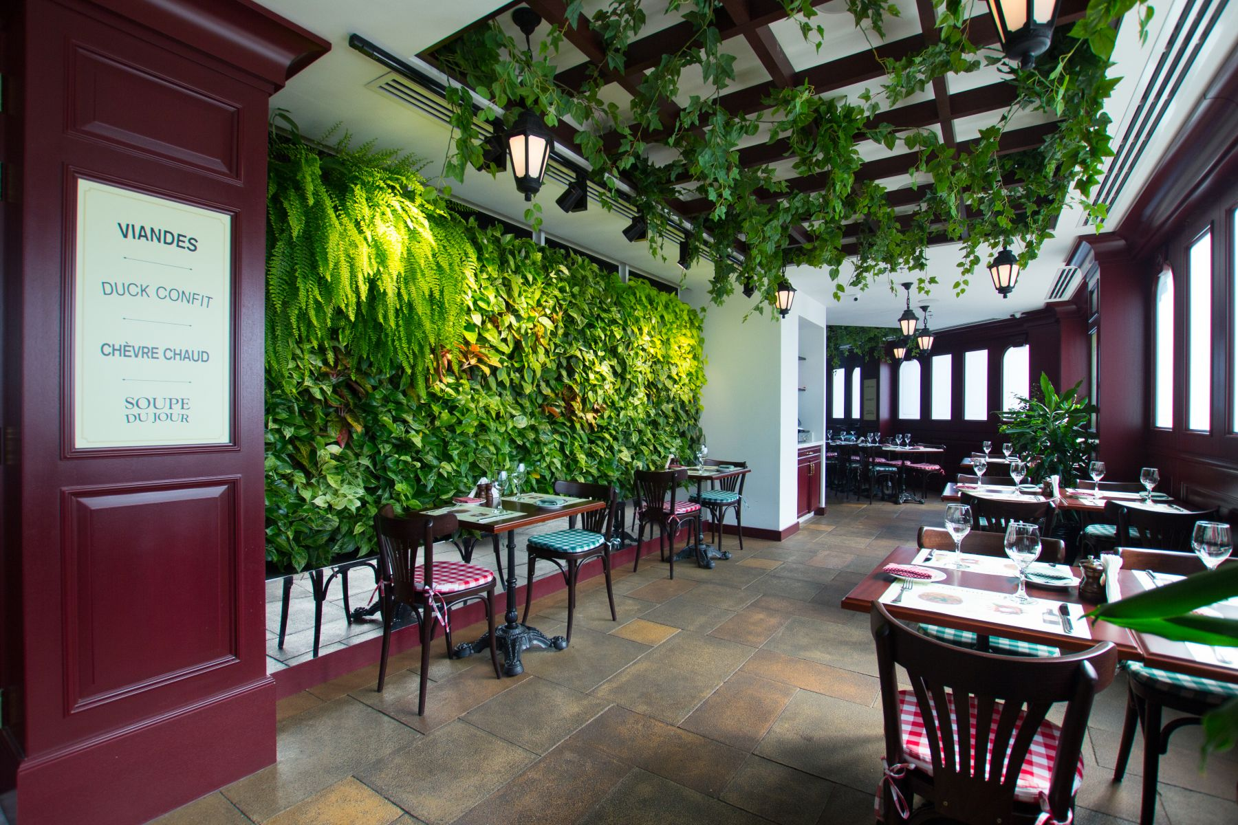 Green Wall in restaurant from Planters