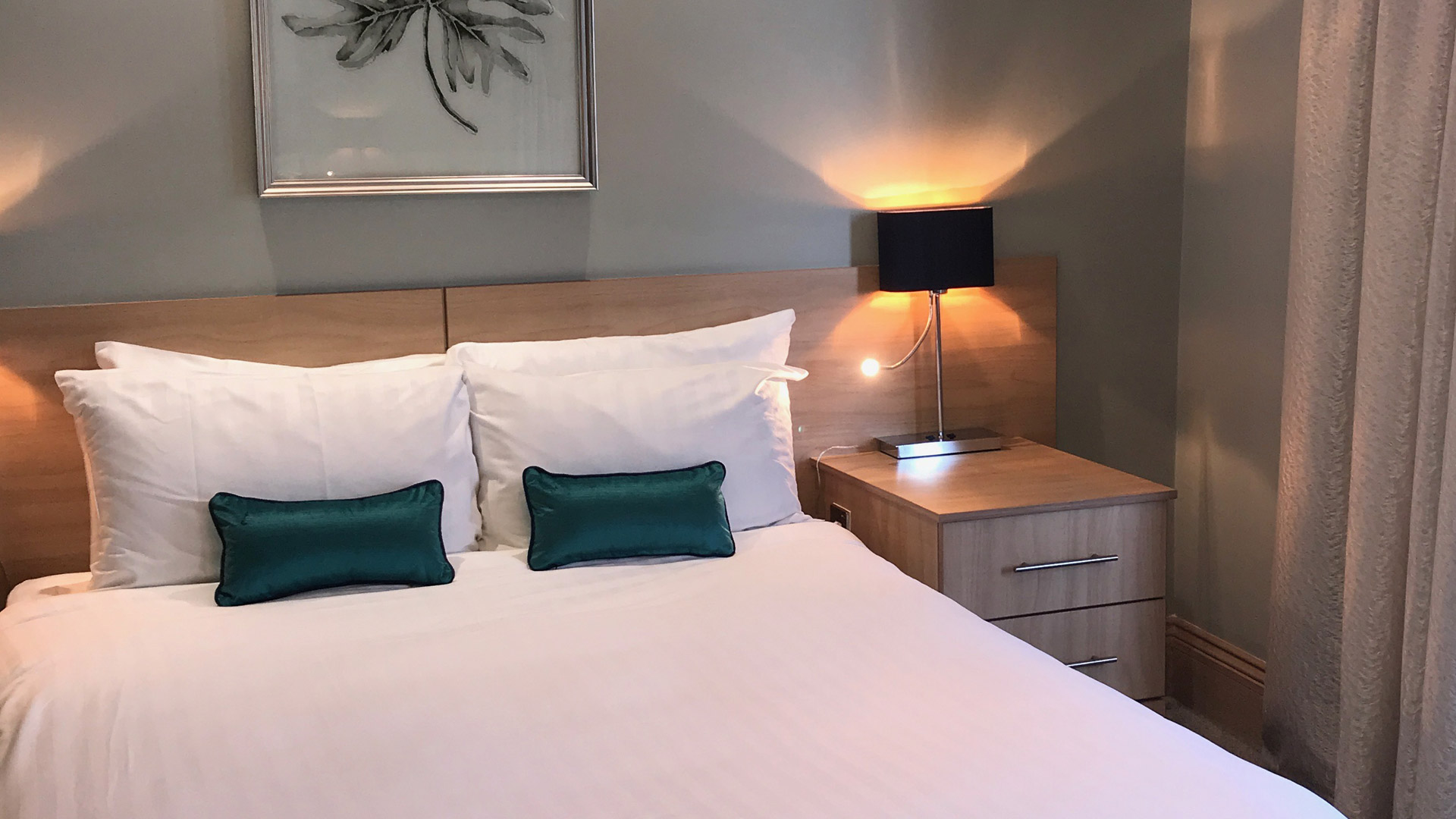 Hotel Collingwood B&B Room Stay in Bournemouth by the seaside