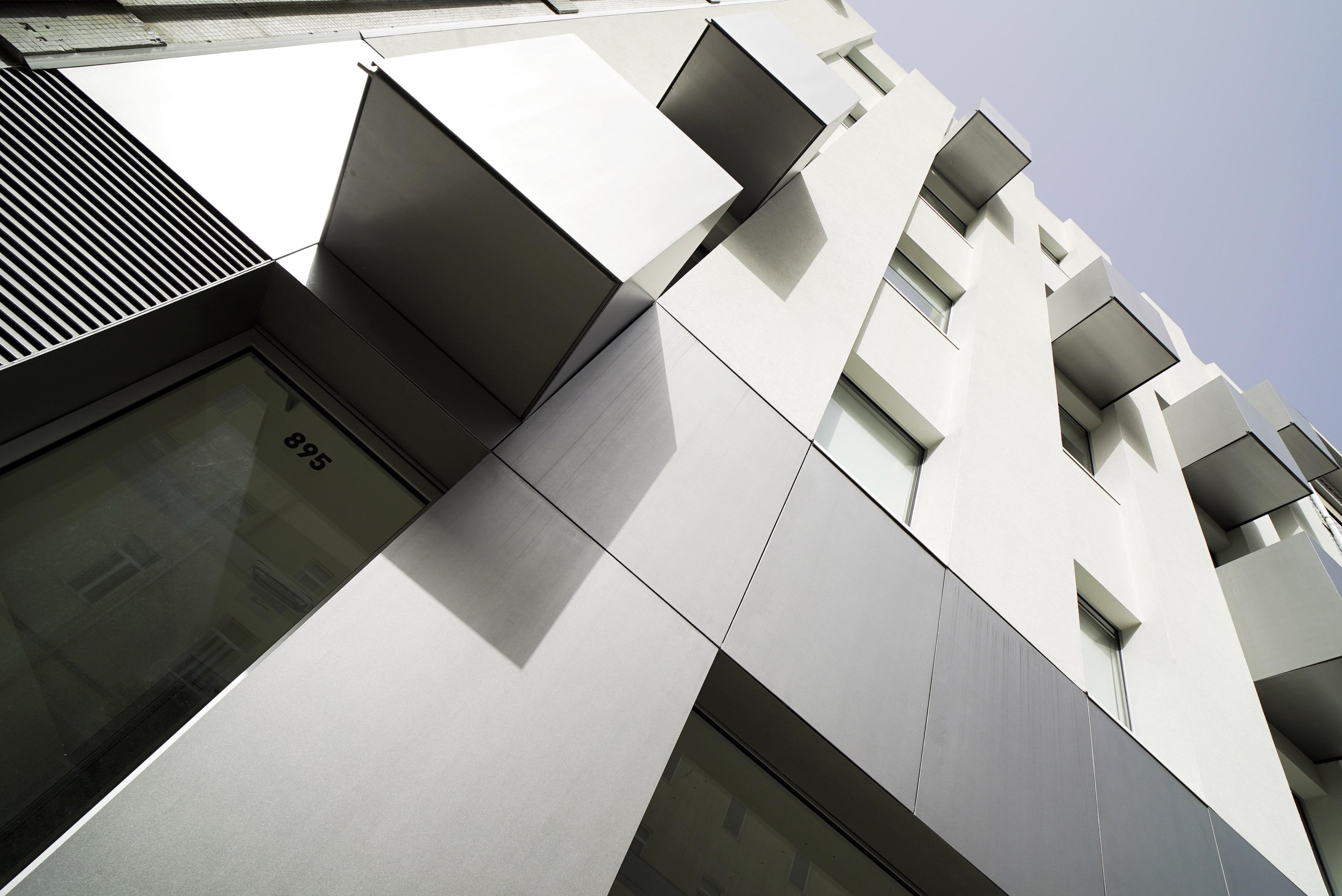 Edifício Viver Camões