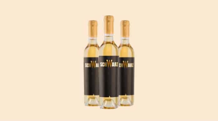 moscato wine: 2014 Weingut Hans Johann Schwarz Gold Muskat Strohwein, Burgenland, Austria
