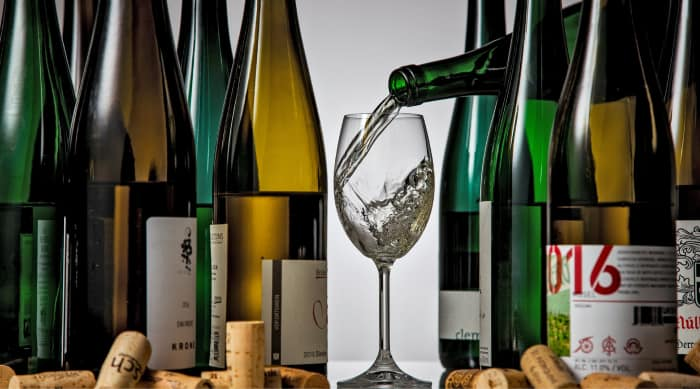 What are Dry White Wines?