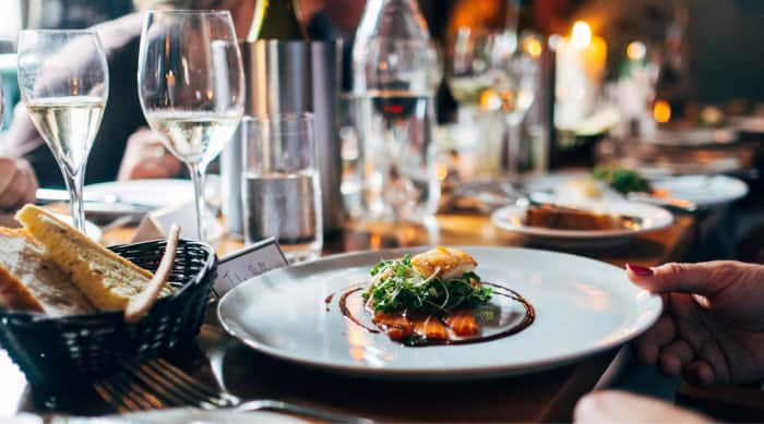 Food Pairing with Dry White Wine