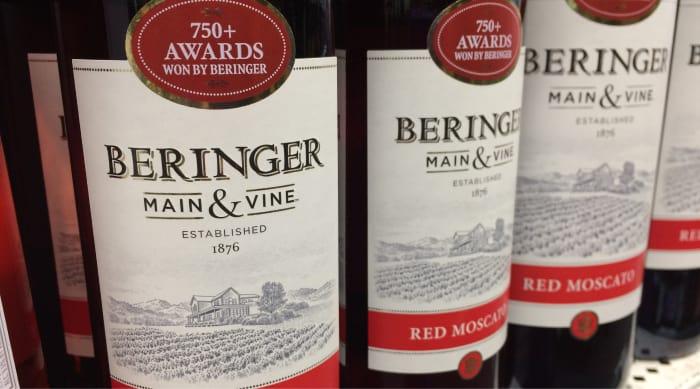 Sweet red wine: Beringer Main & Vine Red Moscato