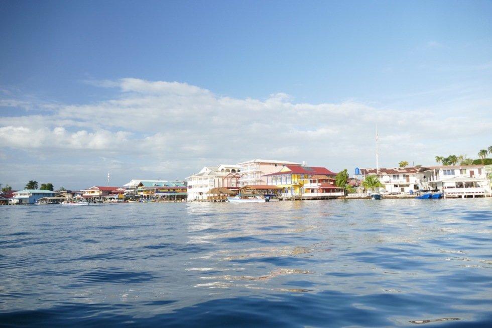 Fra hovedøya Bocas del Toro går det taxibåter ut til de andre øyene.