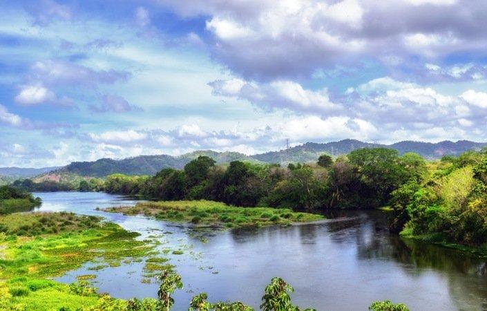 Regnskog og elver utgjør den uberørte nasjonalparken Chagres.