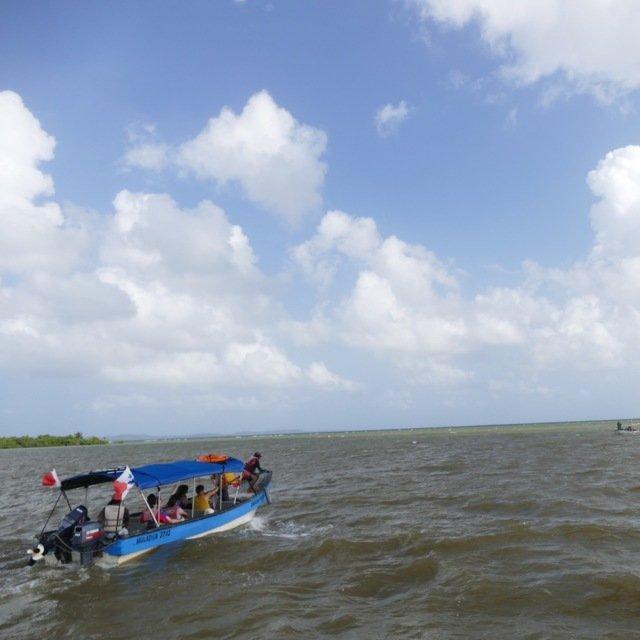 Fra kaotiske Puerto de Carti til de fredfulle San Blas øyene er det en times båttur.