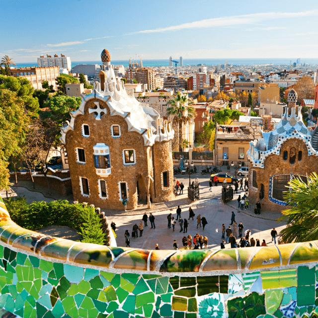 Det er mange grunner til at Barcelona er et av Europas mest populære turistmål, Park Güell er et av dem.