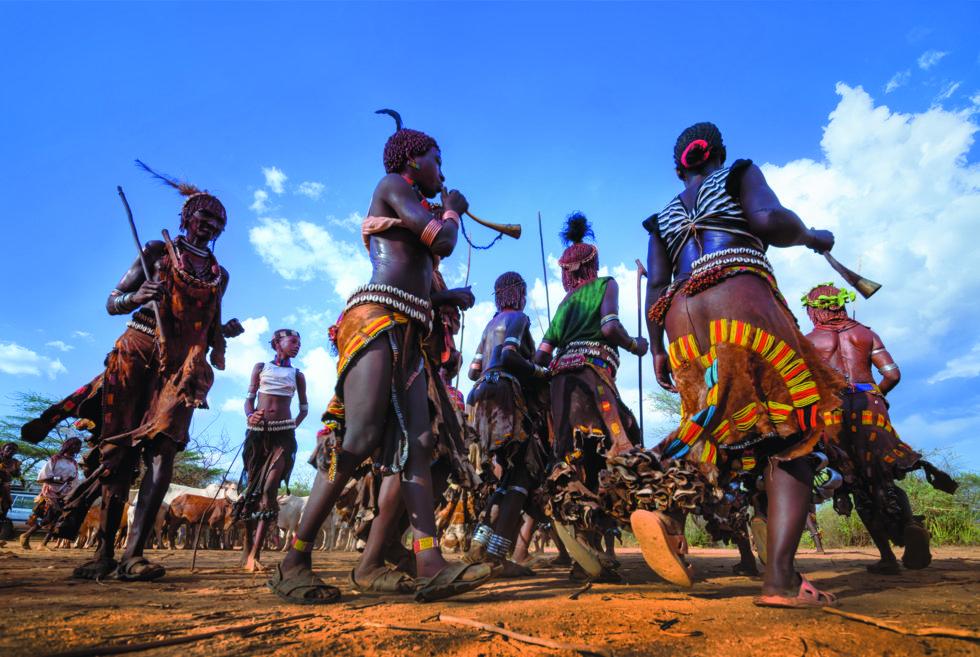 Danse-seremoni i Omo Valley.