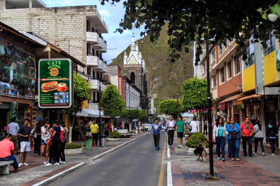 Gateliv i Banos i Tungurahua-Provinsen.