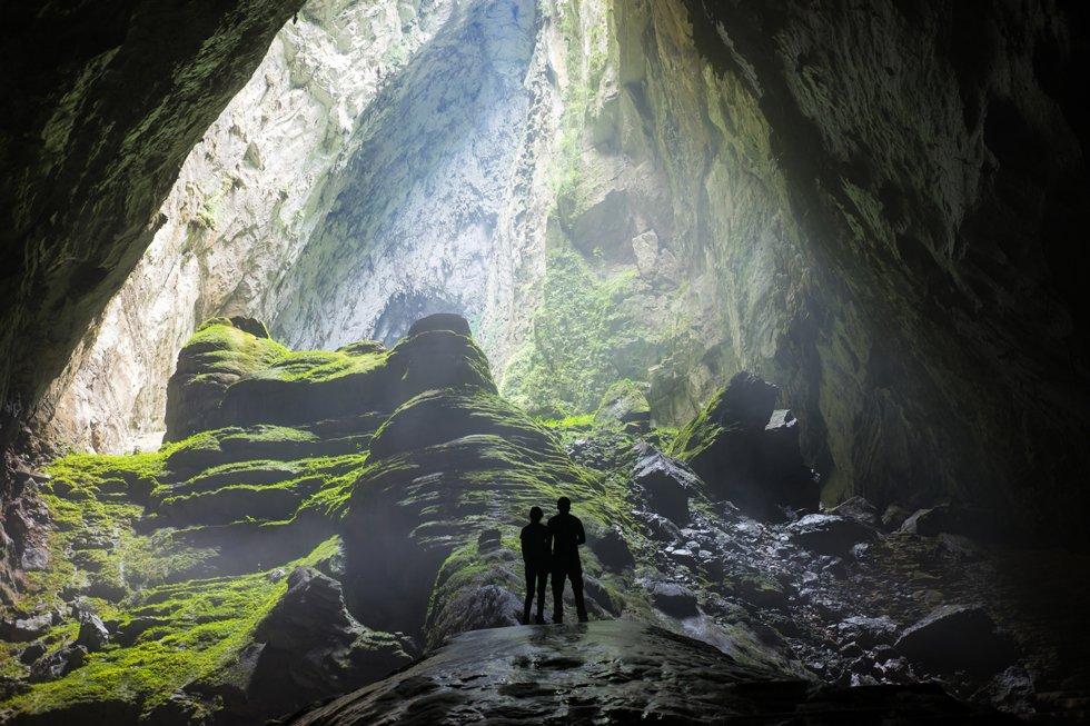Mystisk inngang til grotten Son Dong.