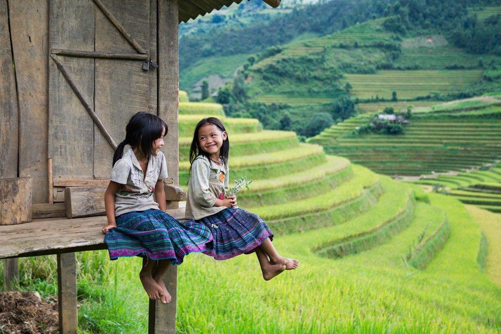 Sapa i seg selv er relativt kommersiell, men utsikten over risåkrene i fjellsiden og den frodige nasjonalparken Hoang Lien er imponerende.