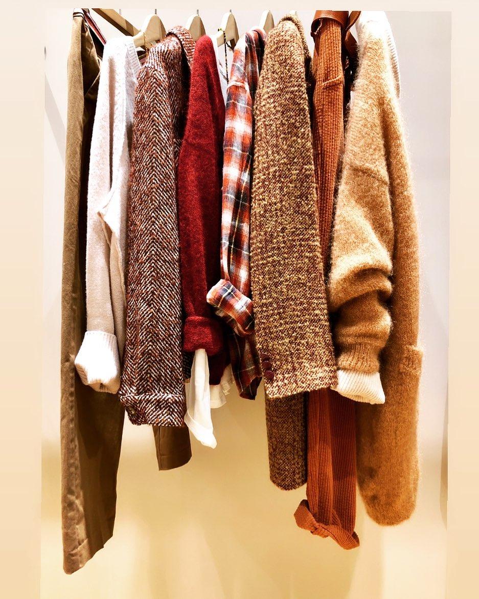 Dressing d'automne 🍂🧡#alpaga #mohair #laine #manteau #toile #couleurs #automnehttps://www.instagram.com/p/CGahn-MldqP/