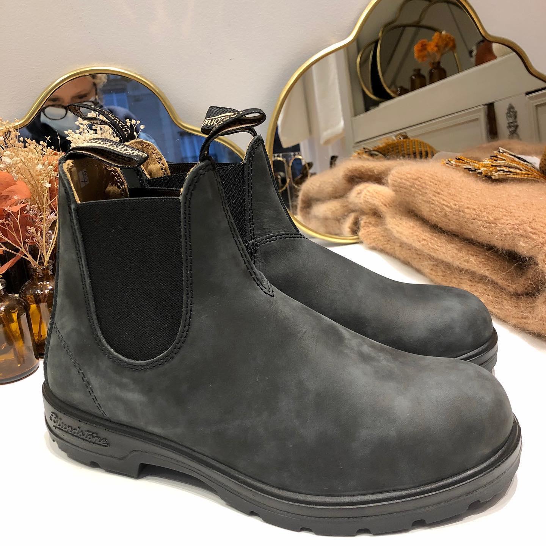 LES boots Blundstone !!!🧡 en commande sur le site  www.lesheuresparis.frhttps://www.instagram.com/p/CG-Z8tfl0nd/