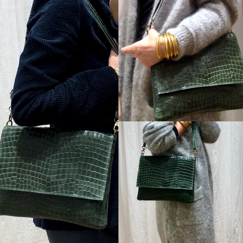 Les sacs en cuir effet croco sont en ligne !!!  5 couleurs - 23/28cm, cuir 😍 Prix: 49€ 🙌😍😍😍https://www.instagram.com/p/CHYhqPwFTcG/