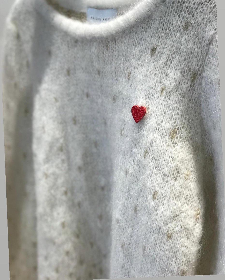 Coeur rouge sur pull mohair ♥️https://www.instagram.com/p/CKRWw1wlOr8/