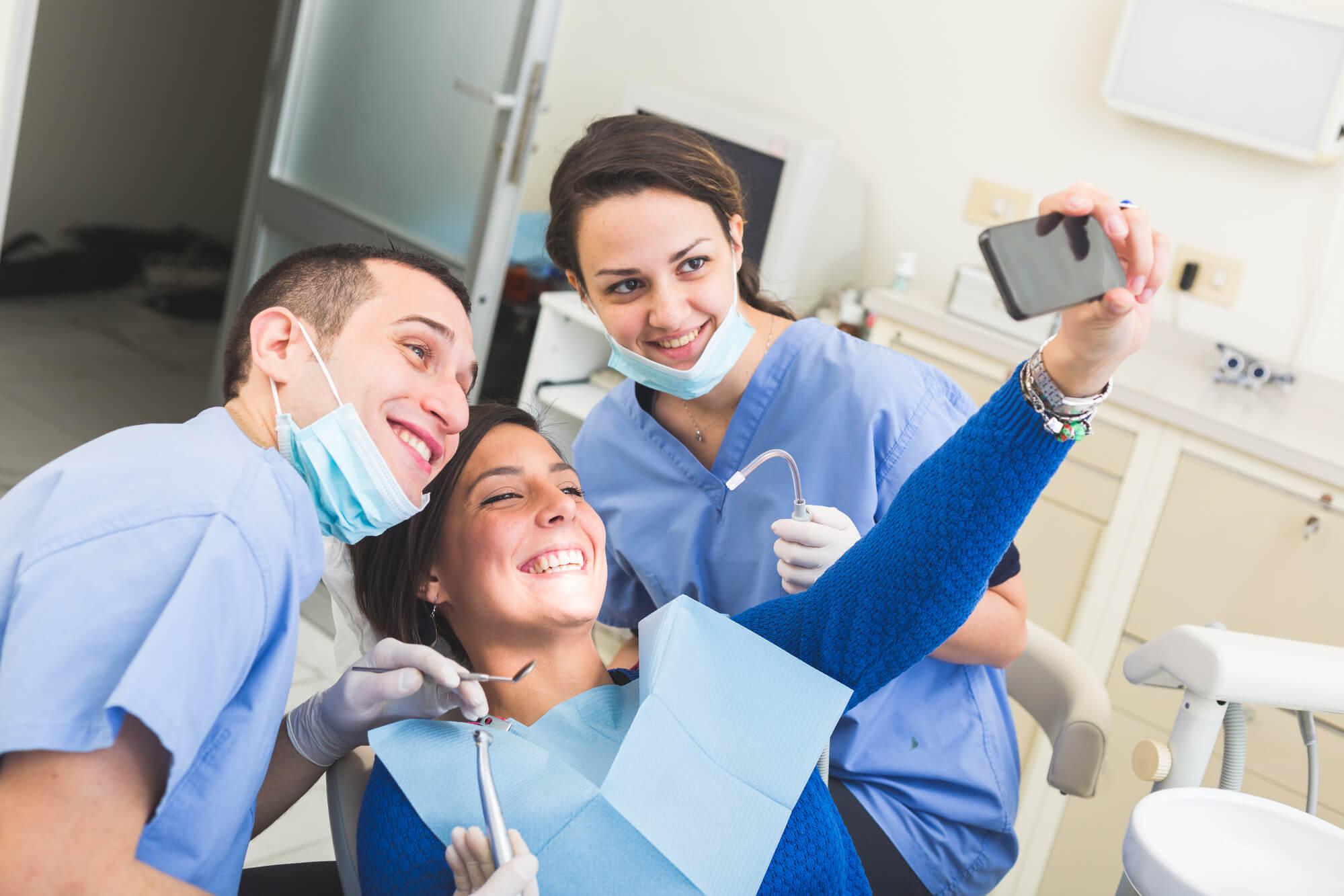 patient-dentist-selfies