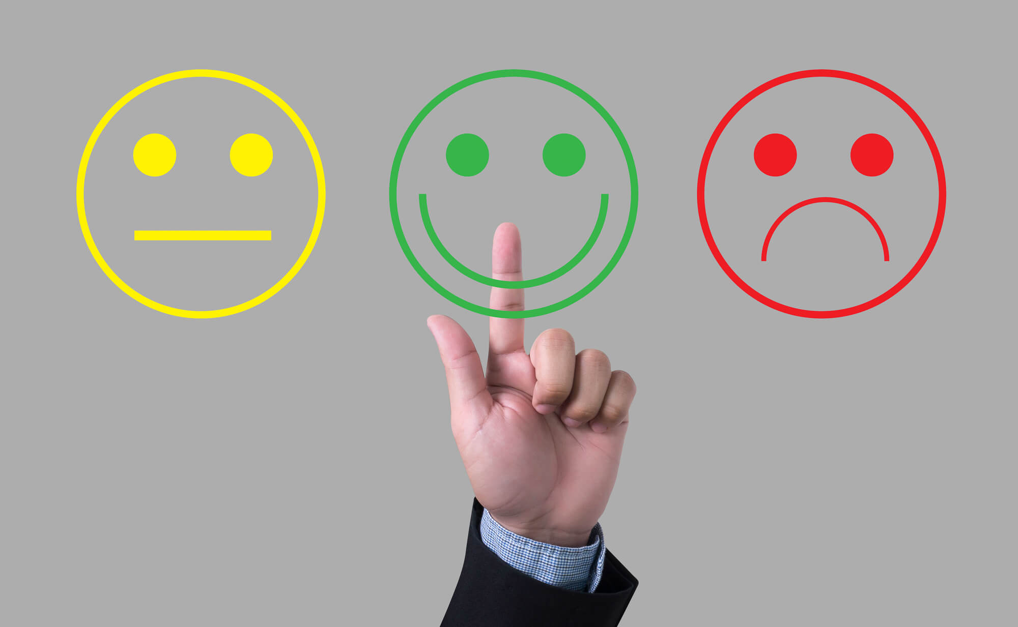 businessman-giving-good-feedback