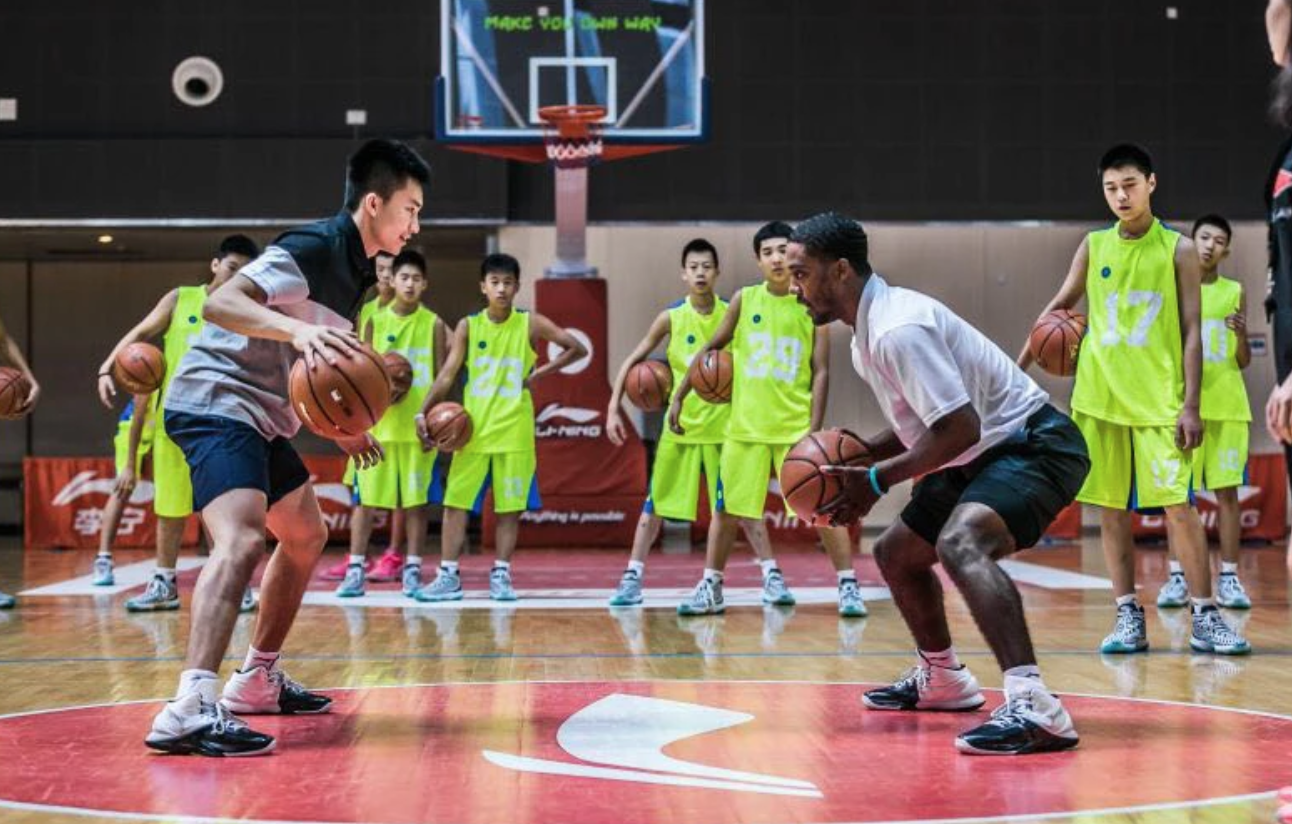 Marcus Hodges training players during a Nike camp in China.  Photo credit: separationteam.com