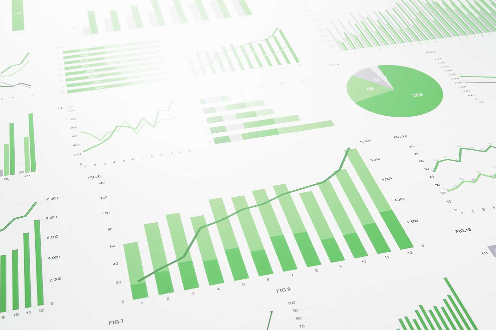 Imagem ilustrativa com diversos gráficos numéricos: colunas, pizza, barras etc.