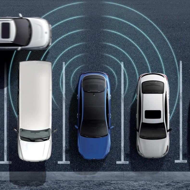 Система предупреждения при выезде с парковки задним ходом (RCCW)